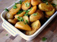 Бош ошпаз сирлари: духовкада пиширилган картошка